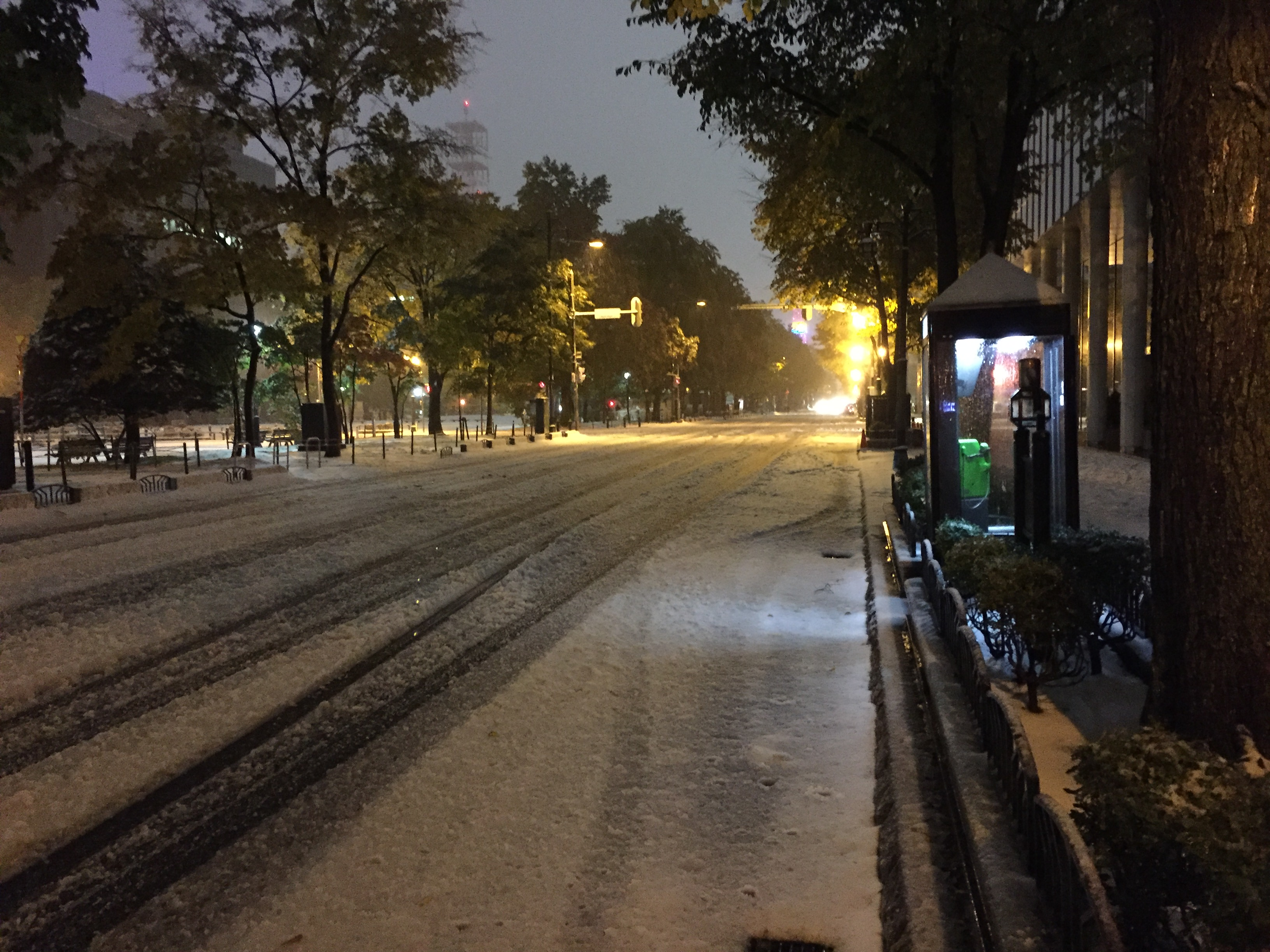 2016年10月20日の札幌の初雪@大通